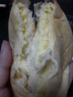 クリームパン続