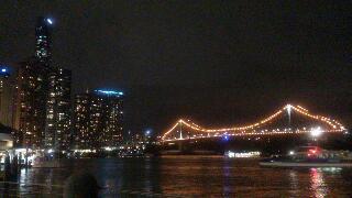 岸辺の夜景